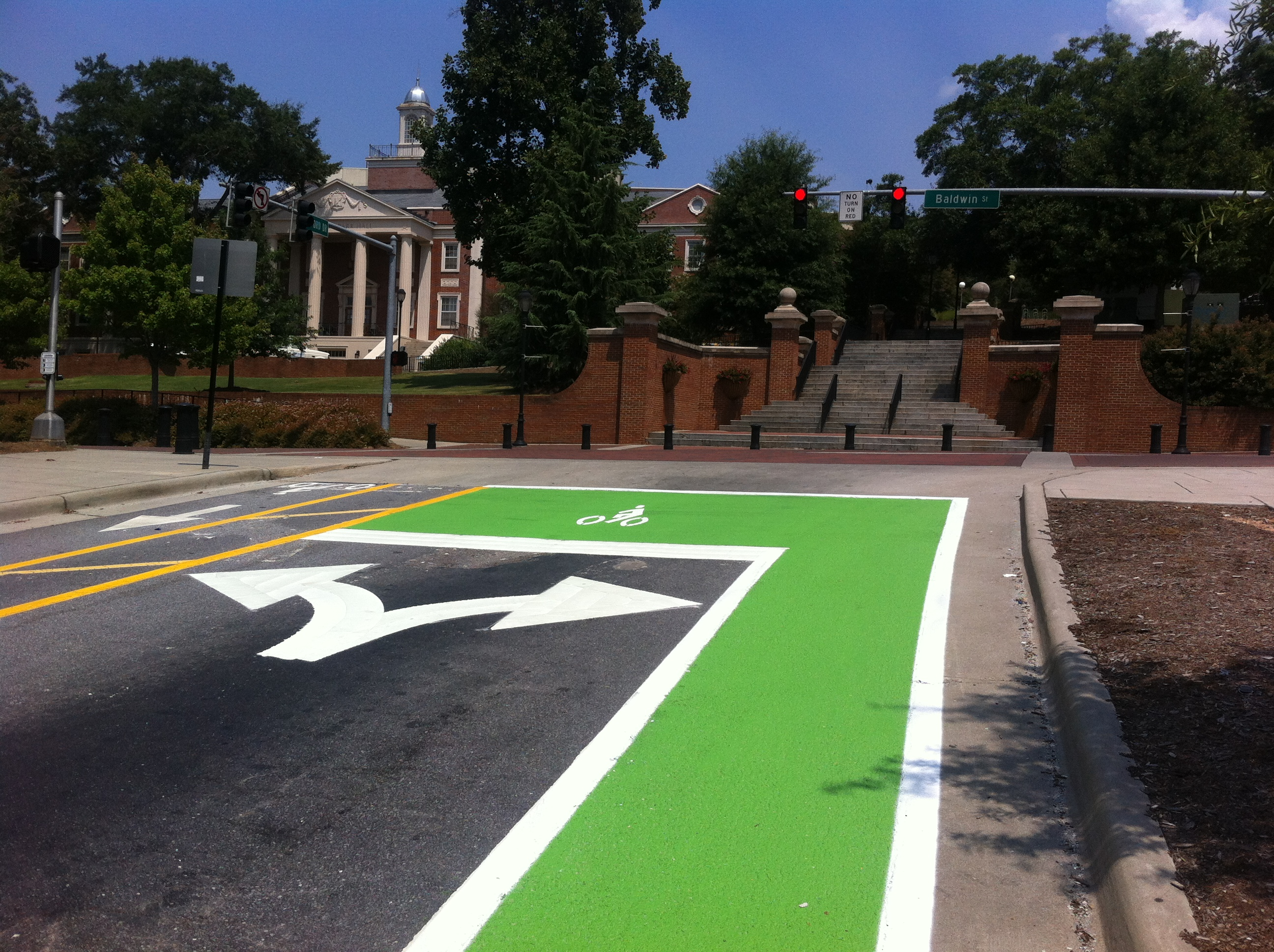 Athens First Green Lane / Bike Box